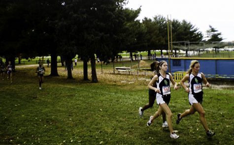 Women's Cross Country Seeks Runners